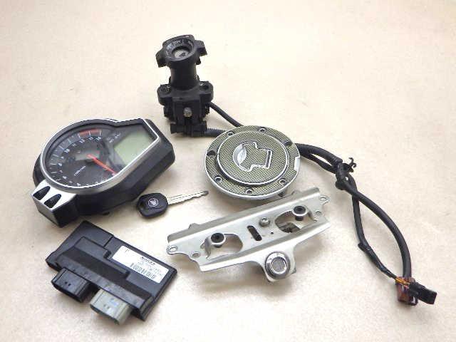 ホンダ CBR1000RR メーター ECU メインスイッチ キー等セット