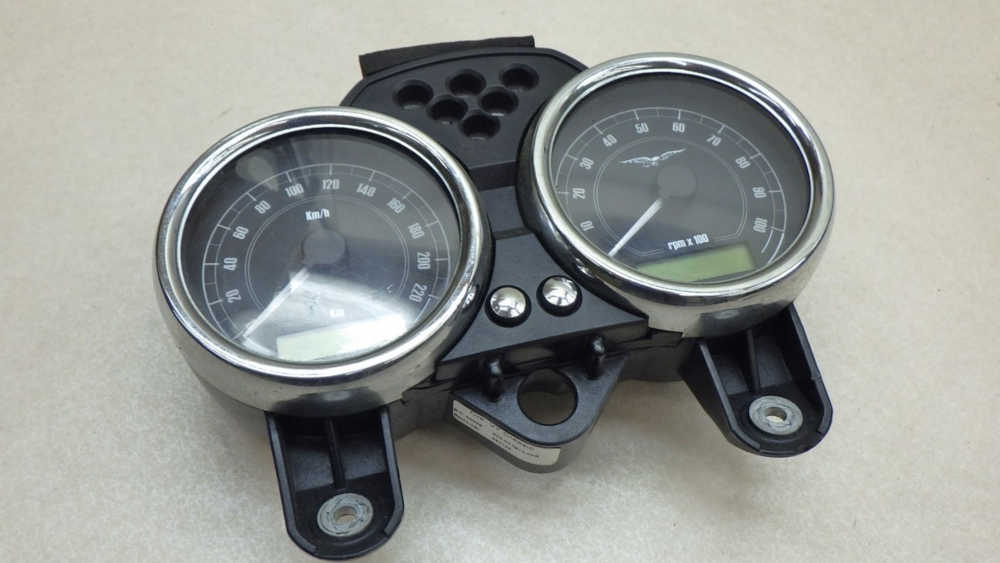 モトグッツィ V7 Racer メーター