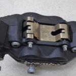 モトグッチ V7 レーサー ブレンボ フロントブレーキキャリパー