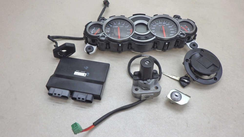 スズキ GSX1300R 隼 ハヤブサ ECU メーター 給油口 メインスイッチ シートロック 送料無料