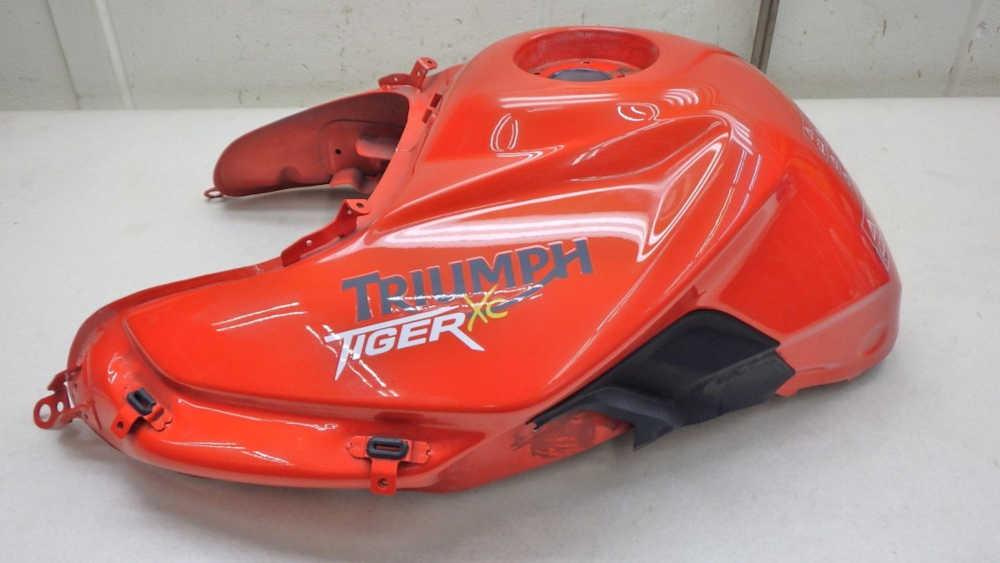 トライアンフ タイガー800XC タンク 送料無料