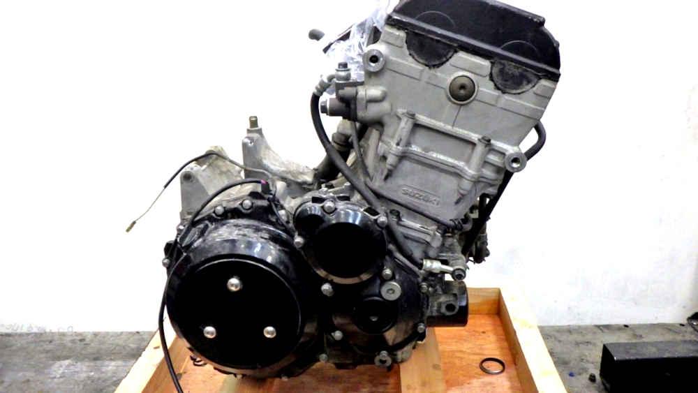 スズキ GSX1300R ハヤブサ エンジン