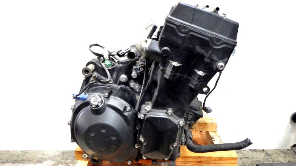 カワサキ ZZR1400 ZX-14 エンジン 営業所止め送料無料
